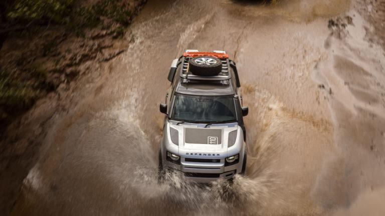 Land Rover Defender P400.