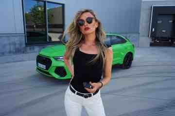 Nina Carmaria - unterwegs im Audi RS Q3 Sportback (400 PS)
