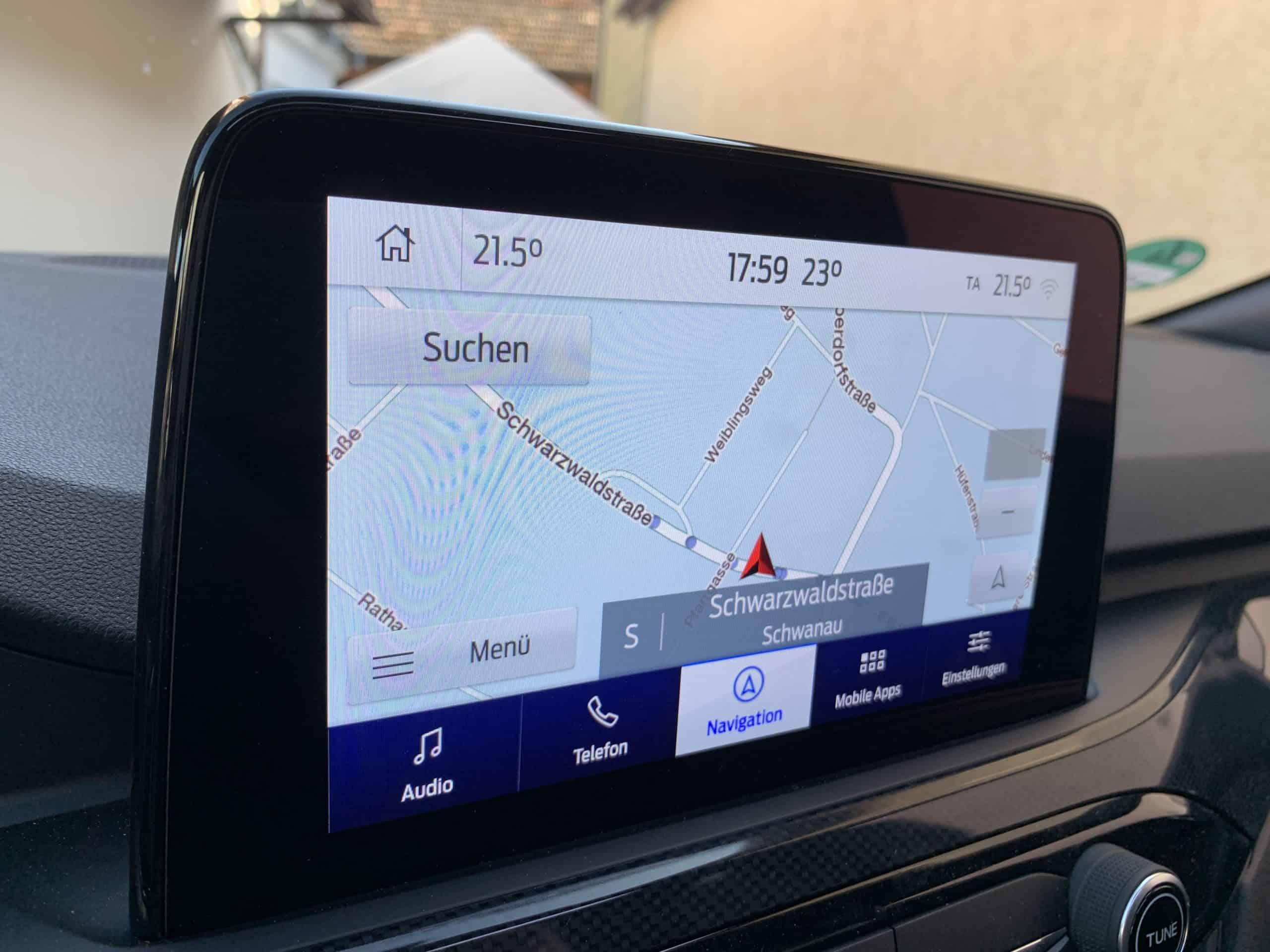 Ford Kuga mit Plug-in Hybrid-Antrieb (2020) - Zukunftstauglichkeit eingebaut, Display