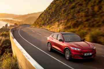 Neuer Ford Mustang Mach-E verbessert Reichweiten-Genauigkeit mittels Cloud