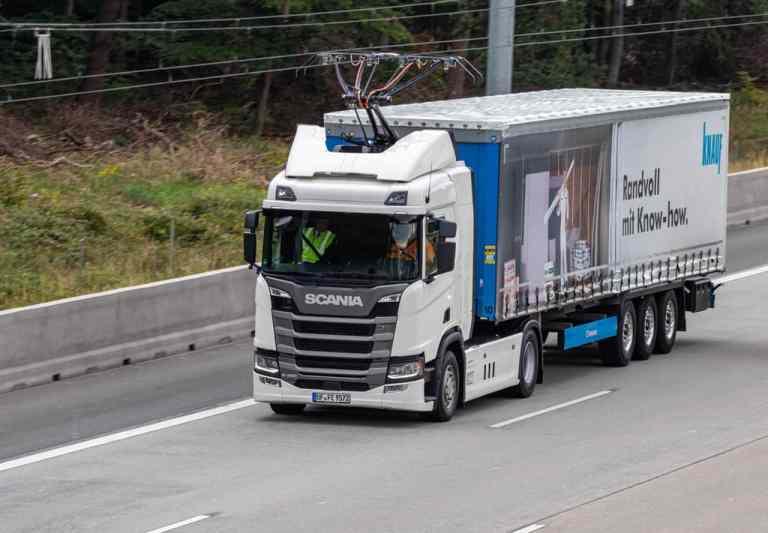 Scania Oberleitungs-Lkw.
