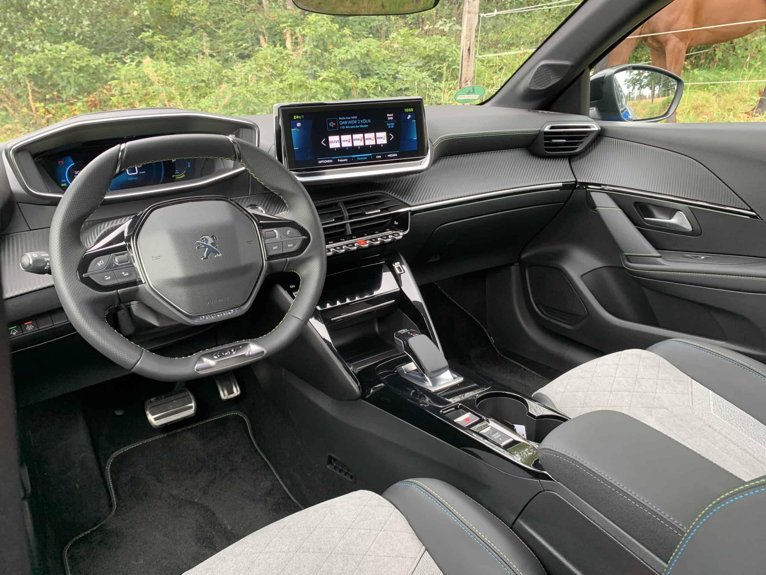Peugeot e-208 GT (136 PS)