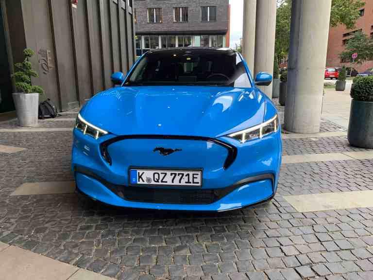 Ford Mustang Mach-E: Erste Fahrt mit dem Elektro-Crossover durch Hamburg