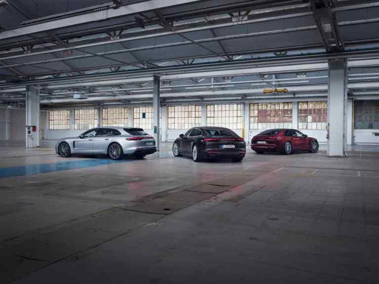 Die Hybridmodelle des Porsche Panamera (von links): Panamera 4 E-Hybrid Sport Turismo, Panamera 4S E-Hybrid und Panamera Turbo S E-Hybrid Executive.