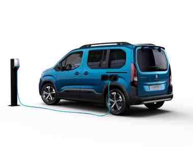 Peugeot Rifter unter Strom