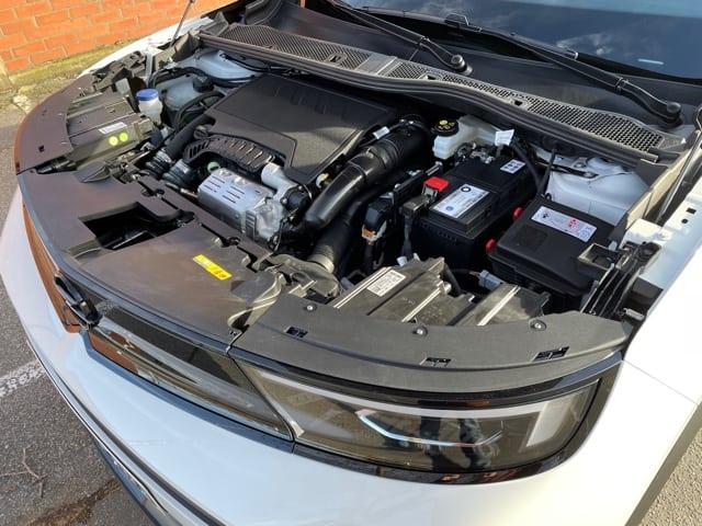Opel Mokka 1.2 Turbo (2021) - Neues SUV mit lebendigem 3-Zylinder-Benziner, Motorraum