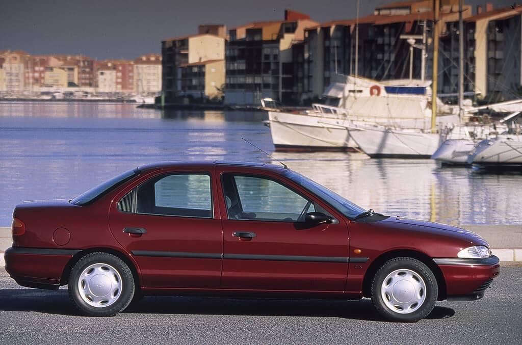 Ford Mondeo, erste Modellgeneration.