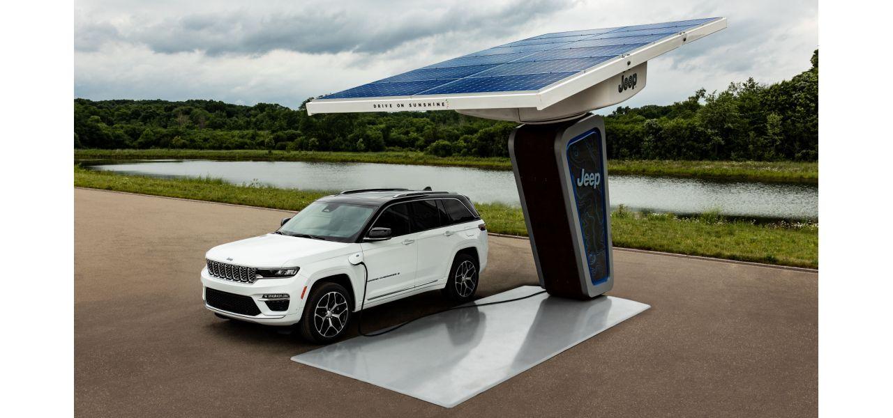 Jeep macht mit ersten Fotos auf den neuen Grand Cherokee 4xe neugierig