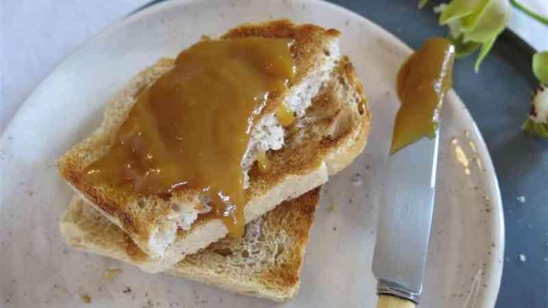 Kokoscreme Kaya auf Toast