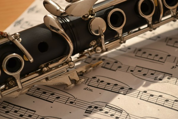 Blasinstrumente als Atemtherapie bei Mukoviszidose