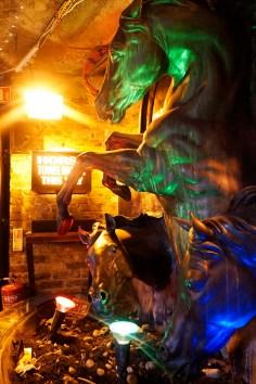 London, London Eye, buckingham Pallace, Wachwechsel, Camden Lock MArket, Camden Town, Covent Garden, Shawn das Schaaf, Balloons, Invasion, Installtaion Kunst, HArry Potter, Gleis 9 3/4, Tower of London, Beeffeaters, Guards Changing of the guards, Westend Theatre , Theater, The Play That goes Wrong, Tipps, Tricks, Städtereise, Städtetripp, Stadt, Hauptstadt, Großbritanien, England, Waht to Do, IDee, Reise, Travel, Wanderlust, Backpacking, Rucksackreise