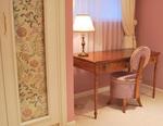 ladyroom.jpg