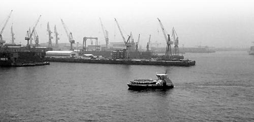 Der erste Schnee im Hamburger Hafen