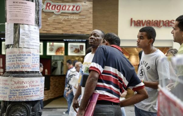 IBGE: Brasil tem desemprego de 12,4% no trimestre até setembro