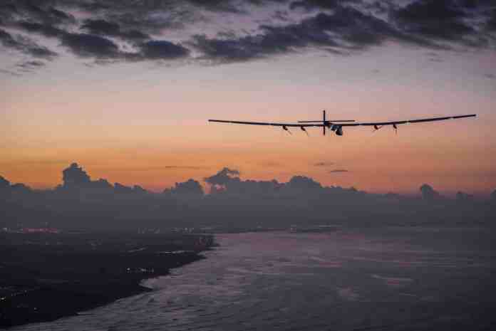 Solar Impulse lands in Hawaii