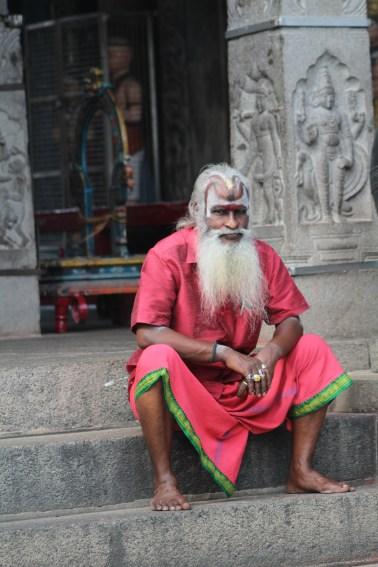 Devoto en el templo