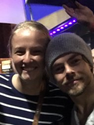 """""""Mo met Derek last night! A class act greeting fans in the pouring rain! Thanks for making her dream come true! @MoveLiveOnTour @derekhough"""" - Move Beyond - Lancaster, Pennsylvania - April 29, 2017 Courtesy KarenTCincy twitter"""