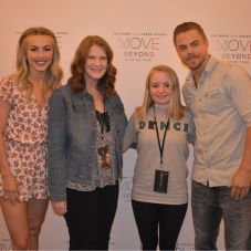 """Last night was amazing! I can't believe I met them! Best. Birthday. Present. Ever. #moveliveontour"" Courtesy catsroxs567 ig"