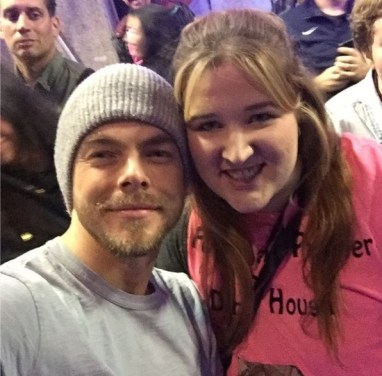 """Thank you so much @derekhough!!!!! #movebeyond #moveliveontour #radiocitymusichall #pinkshirtgirl"" - Move Beyond - New York - May 6, 2017 Courtesy cldancer IG"