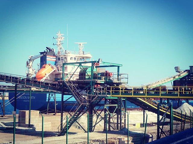 #WilsonNorth #autohash #Torrevieja #Spain #ComunidadValenciana #industry #sky #outdoors #technology #tech #techie #geek #techy #steel #travel #traveling #visiting #instatravel #instago #petroleum #sea #machine #business #crane #water #energy #grinder #expression #ship - from Instagram