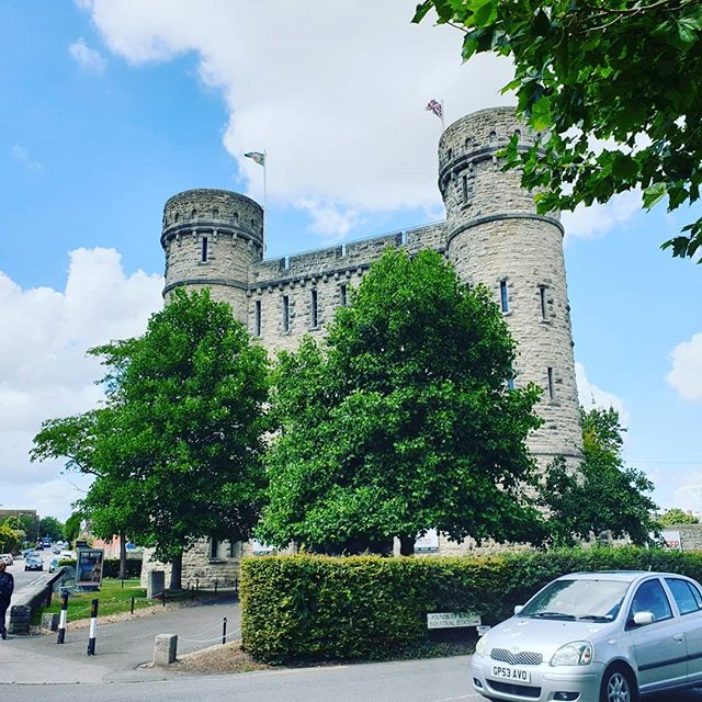 #autohash #UnitedKingdom #England #architecture #castle #old #travel #traveling #visiting #instatravel #instago #building #tower #ancient #Gothic #stone #tree #landmark #tourism #fortress #wall #sky #historic #city #outdoors #monument #culture #Dorchester - from Instagram