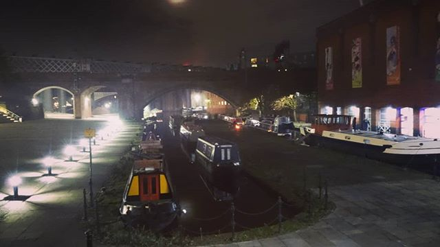#autohash #UnitedKingdom #England #street #travel #traveling #visiting #instatravel #instago #city #tourism #traffic #modern #station #business #architecture #canal #ymca #urban #panoramic #tourist #outdoors #stock #pavement #train - from Instagram