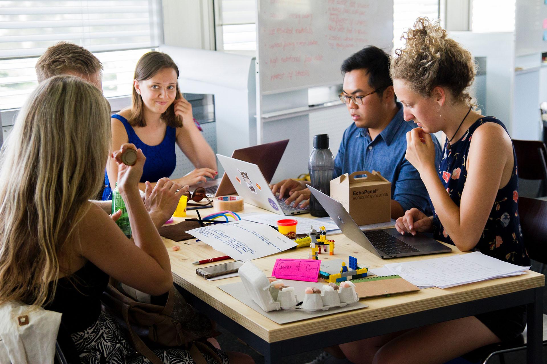 Crowdfunding, come strutturare i contenuti essenziali di una campagna | DeRev Academy #11