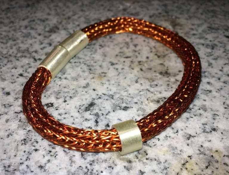 geflochtenes Armband mit Magnetverschluss
