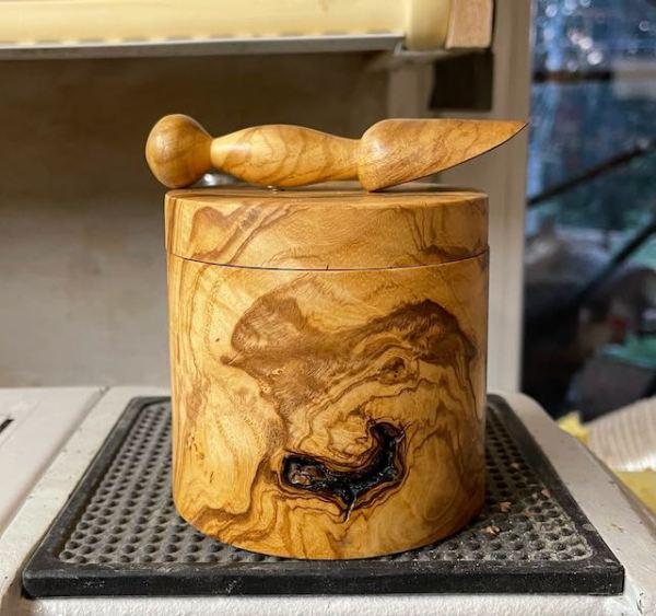 Olivenholz mit schönem Holzbild