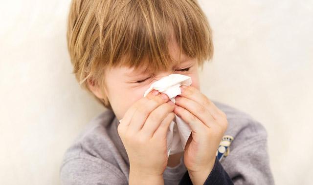 在大多数情况下,山疼痛在感冒的第一阶段存在。如果您按时注意到这种症状,即使在进入尖锐阶段之前也可以击败疾病。