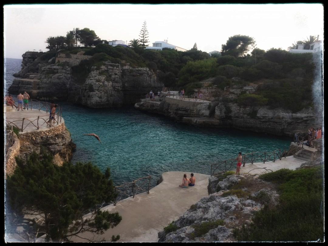 Menorca, sicher ins Meer springen Cala en Brut