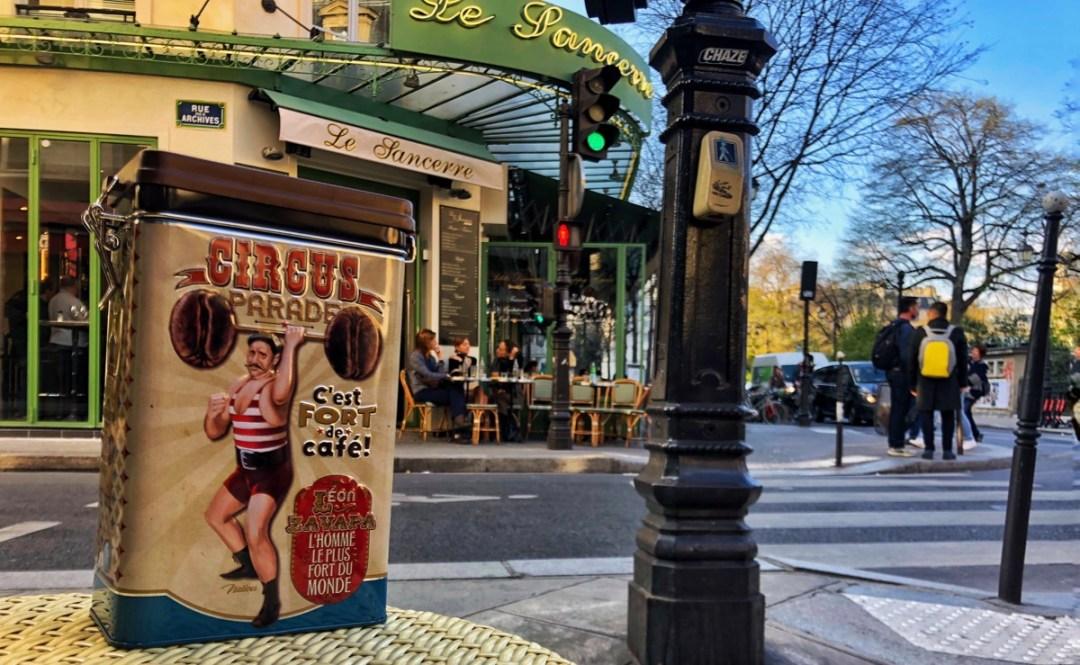 Ein Mitbringsel von der Rue de Bretagne im Pariser Quartier Marais