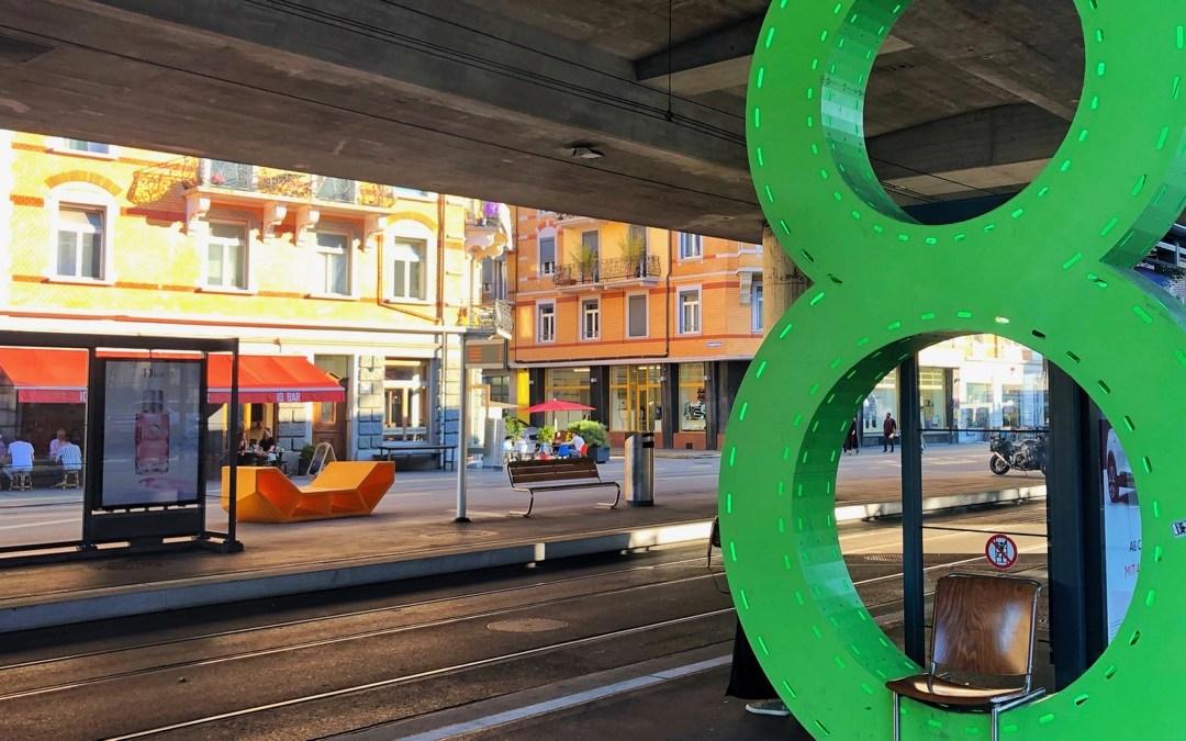 COOLE STADTRUNDFAHRT: PER TRAM UND BUS AUF CITY-TOUR IM ECHTEN LEBEN