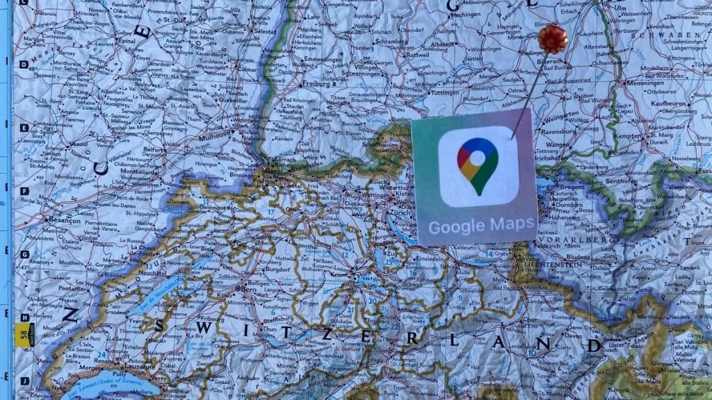 Landkarte Schweiz mit Google-Pin: Durch die Übernahme der Luzerner Firma Endoxon wurde die Schweiz zu einem bedeutenden Entwicklungsort für Google Maps