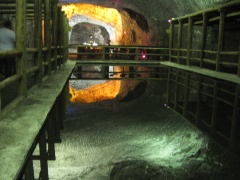 Wasserspiegel in der Salzkathedrale