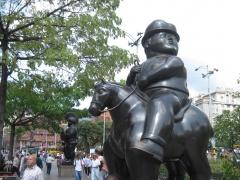Dicker Reiter auf dem Botero-Platz