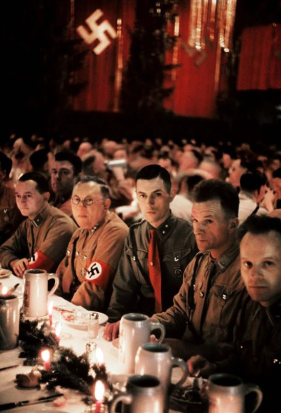 inside-a-nazi-christmas-party-hosted-by-adolf-hitler-1941-5