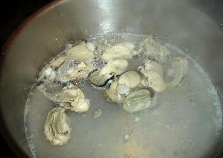 im Austernwasser pochieren
