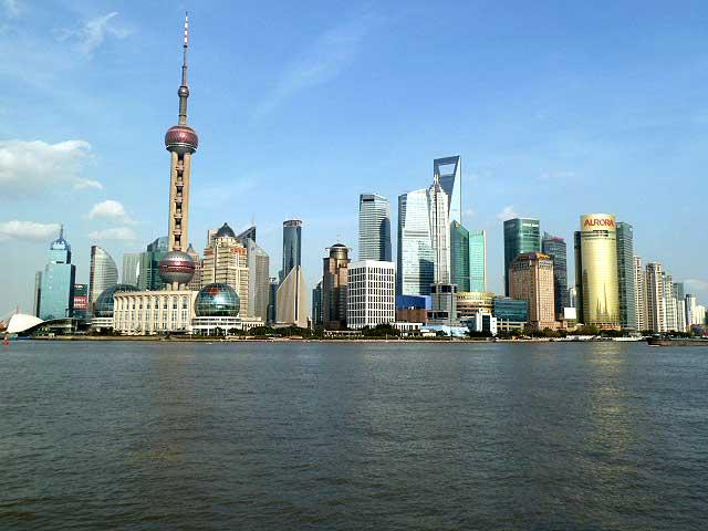 Blick vom Bund auf Pudong