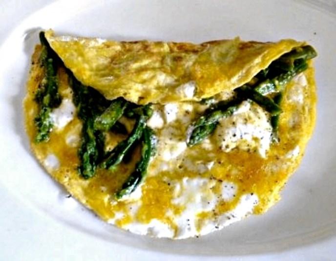 Omelett mit grünen Spargel