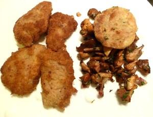 Filet Wienerschnitzel, Pfifferlinge und gebratene Semmelknödel
