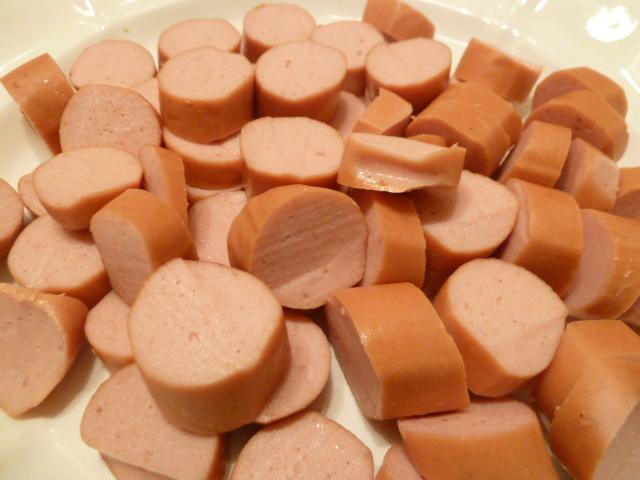 Rote Linsen sauer mit Wiener Würstchen