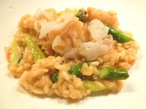 Risotto mit wilden Shrimps, grünen Spargel und geräucherten Heilbutt