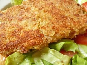 Gebacken auf Salat