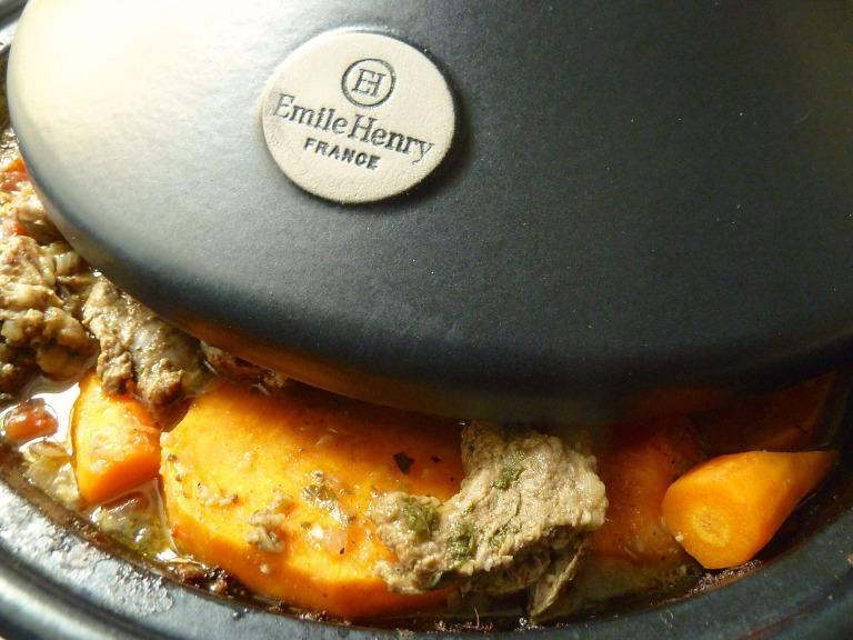Korianderlamm mit Süßkartoffel-Karottengemüse aus der Tajine