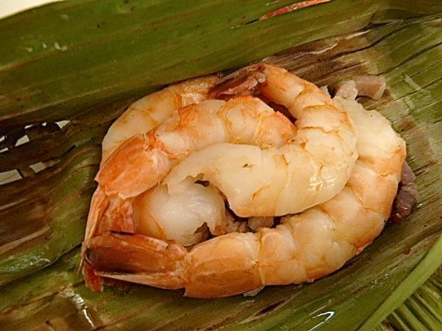 die mit Shrimps und Speck gefüllt waren
