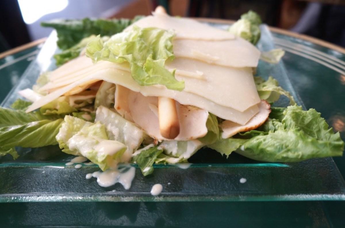 Ceasars Salad am Nachbartisch