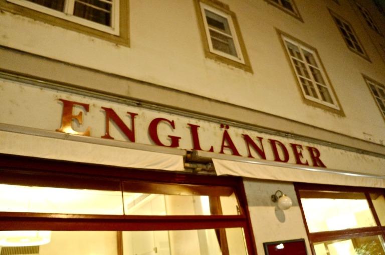 ins Café Engländer