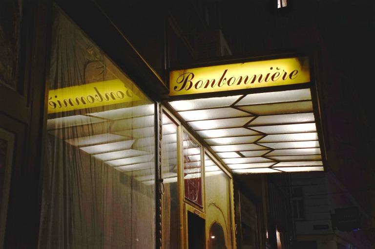 noch auf einen Drink in die Bonbonnière