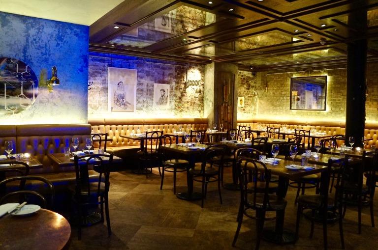 ins Restaurant